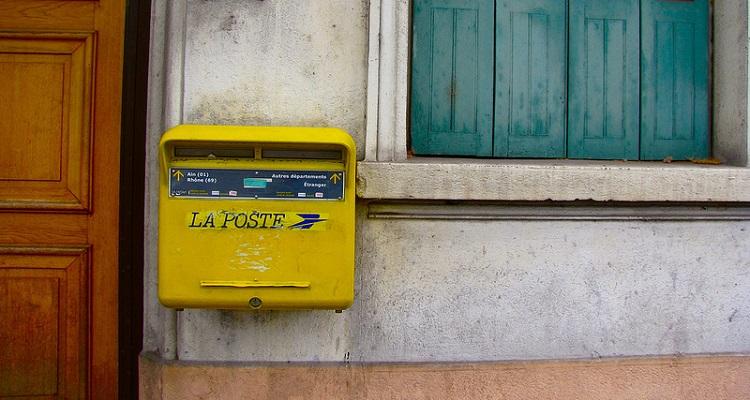 Francia servicio postal drones departamento Var